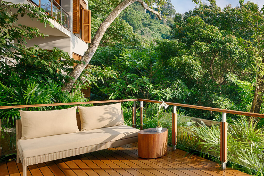 Baan Banyan - Suite Room 3 Balcony Setting