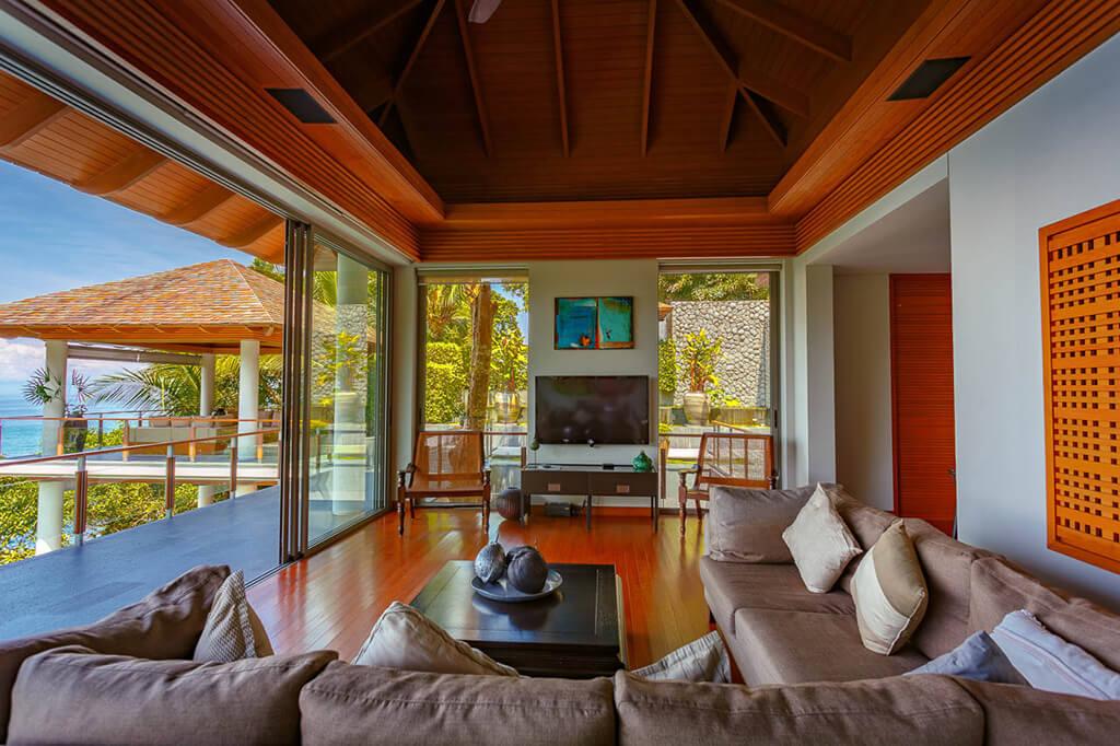 Baan Banyan - Living Room upper level
