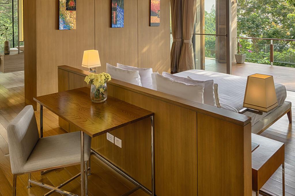Baan Banyan - Suite Room 2 Desk